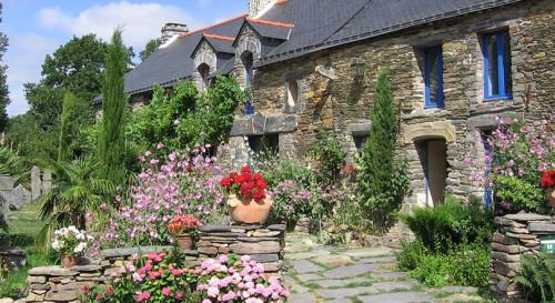 La Gacilly, cité des fleurs